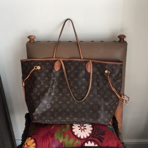 Louis Vuitton neverfull  GM, well loved